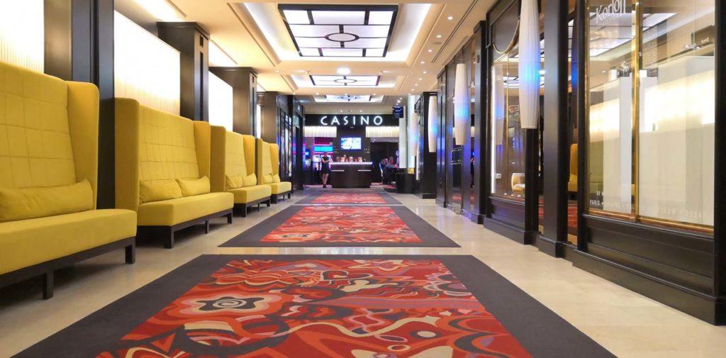 Couloir d'entrée casino