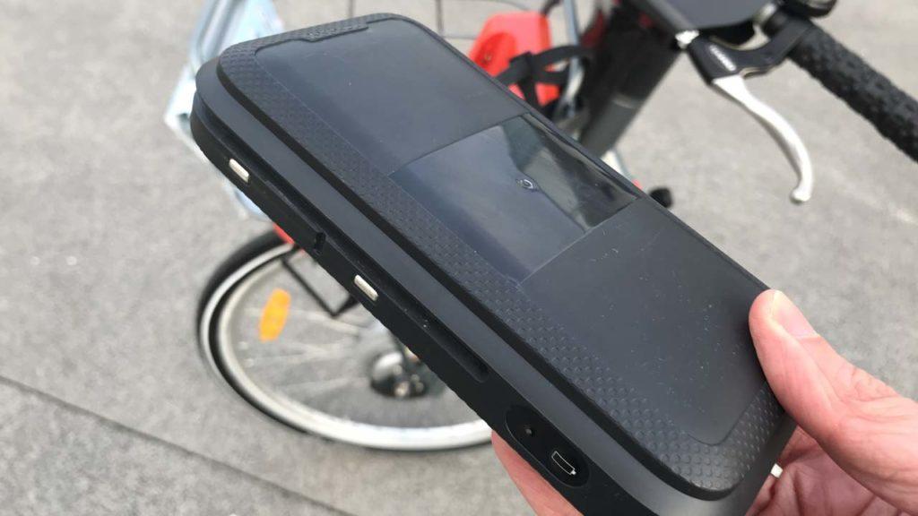 Vélo'v électrique : la batterie tient dans une main
