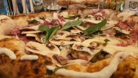 Pizza extrême chez Carmelo à Lyon